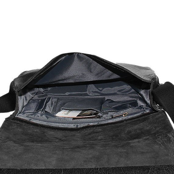 DAAG Jazzy Wanted 32 czarna torba skórzana unisex listonoszka przez ramię