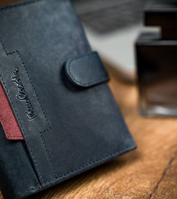 Portfel granatowy z czerwoną wstawką Pierre Cardin 326A VO02