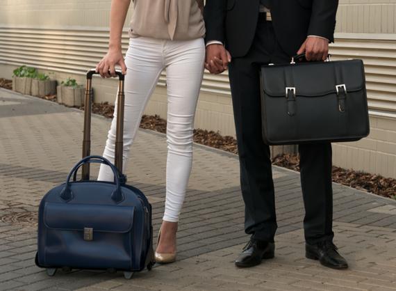 """Skórzana torba damska na laptopa 15,4"""" z odpinanym wózkiem Mcklein Glen Ellyn 94365 granatowa"""