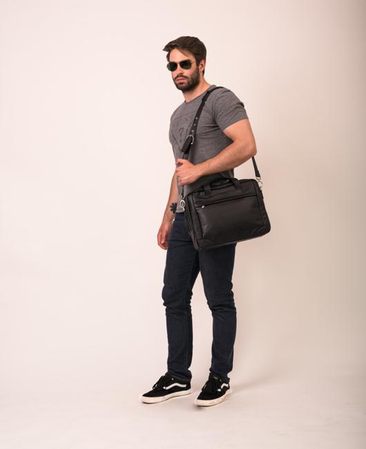 "Skórzana torba na laptopa 15,4"" czarna Mcklein Bronzeville 15485M"