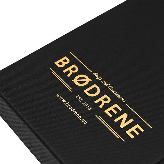 Skórzany cienki portfel slim wallet z bilonówką BRODRENE SW04 ciemnobrązowy