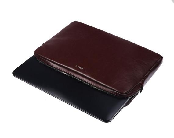 Skórzany pokrowiec etui na laptopa 15 cali Solier SA23A burgundowy