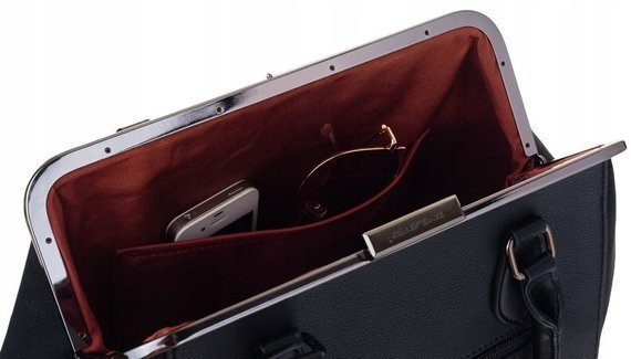 Torebka damska kuferek z nitami David Jones 6144-2 czerwony