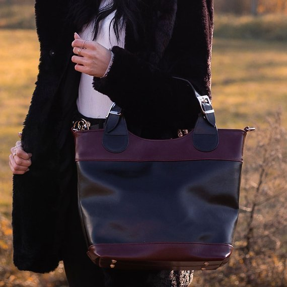 Torebka skórzana elegancki kuferek DAN-A T195 czerwona