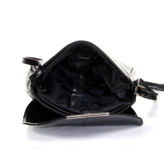 Torebka skórzana listonoszka DAN-A T231 czarna